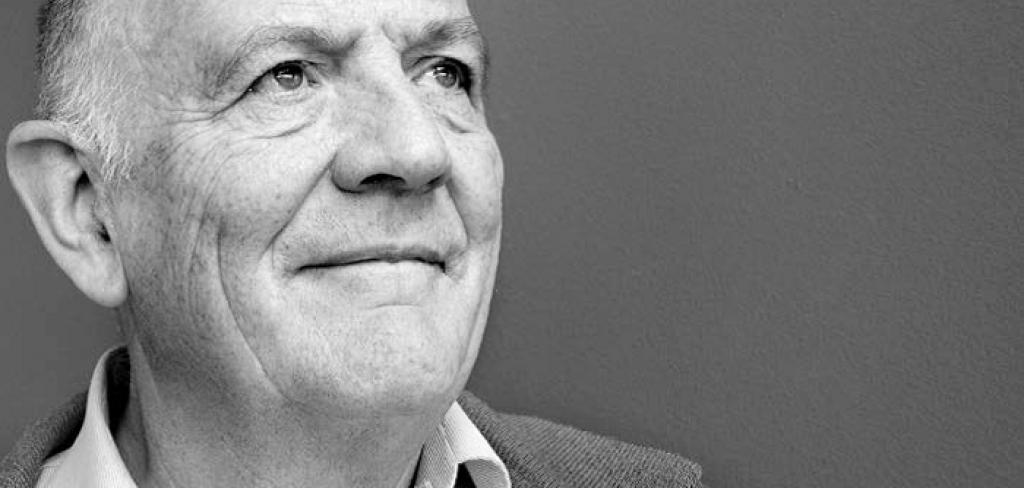 """Nuestro colegiado Manuel Alcántara, catedrático de Ciencia Política de la USAL, es entrevistado en el artículo """"La fórmula mágica de Macron y Trudeau: poca revolución, mucha cara, un mundo desbocado"""", publicado en el periódico La Vanguardia, para dar su análisis sobre los presidentes Macron y Trudeau."""