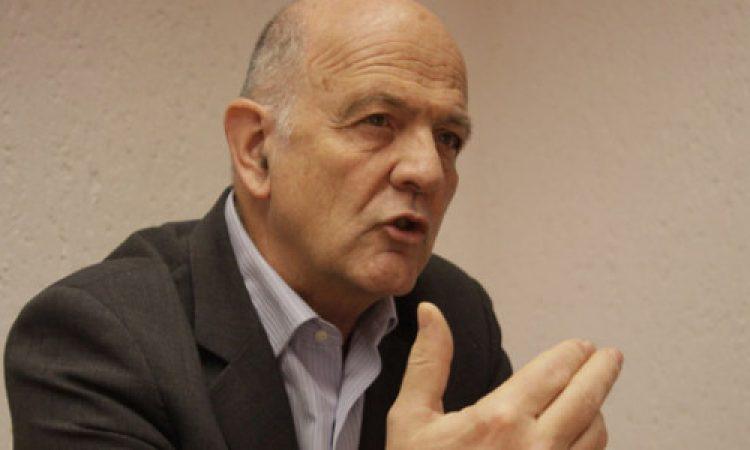 """Artículo: """"La República mancillada"""", por nuestro colegiado Manuel Alcántara, publicado en el Esquina Desnuda"""