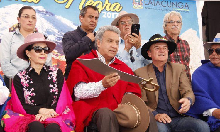 """Artículo de nuestro colegiado Manuel Alcántara: """"Presidentes sin partidos"""", publicada en el periódico El País el día 7 de noviembre de 2017."""