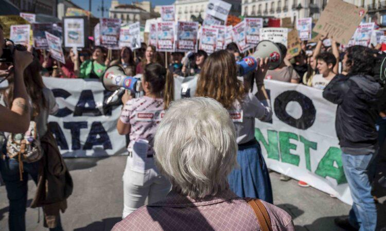 Artículo: «Dejad de pedirnos la solución a vuestro caos», Greta Thunberg, publicado en La Marea el día 19 de marzo de 2019